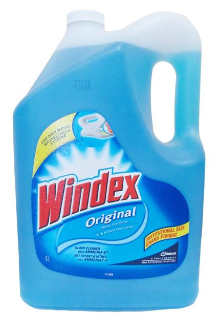Nettoyer les vitres avec de l'ammoniaque